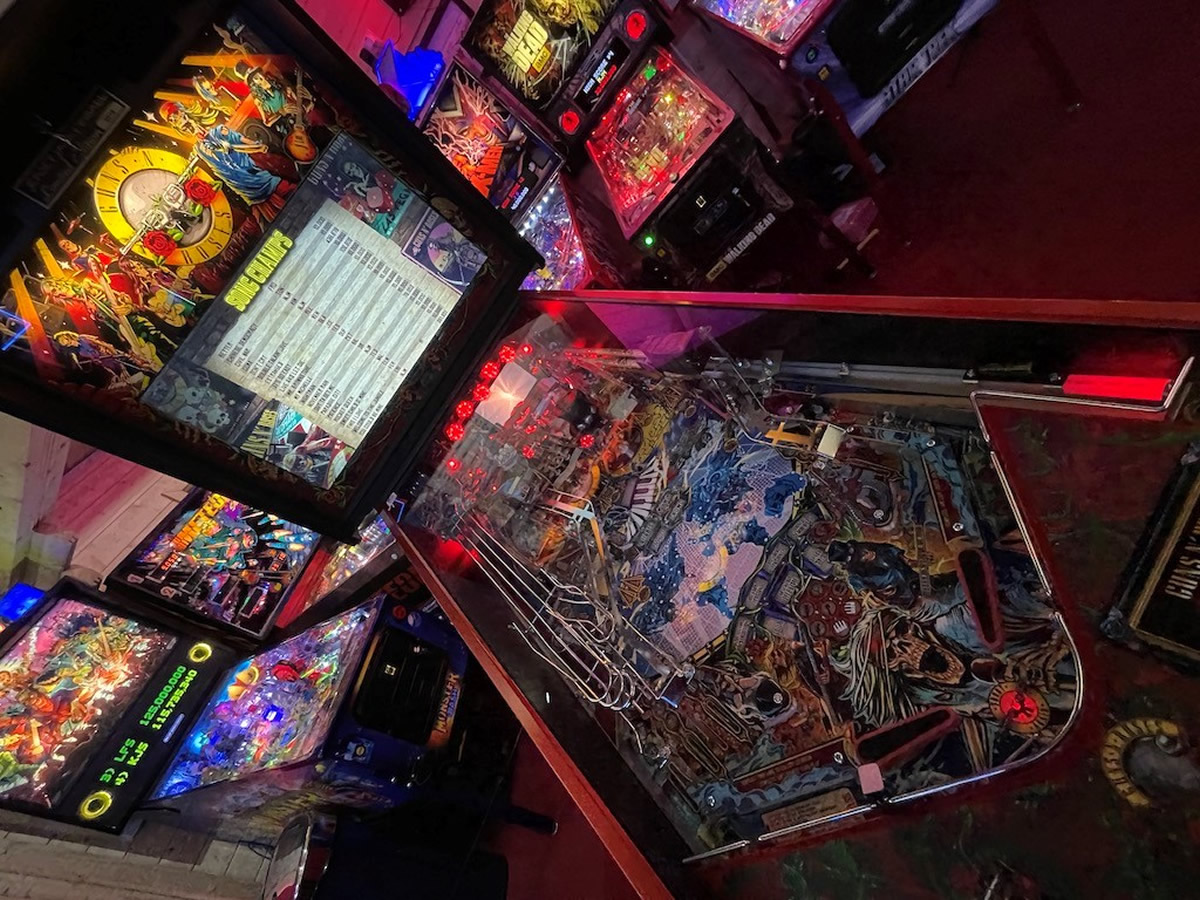 Guns and Roses Pinball